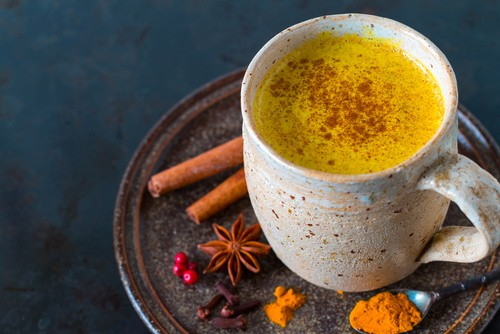 Healthy Recipes: Golden milk with turmeric