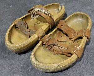 illustration: old shoes - that is wabi-sabi