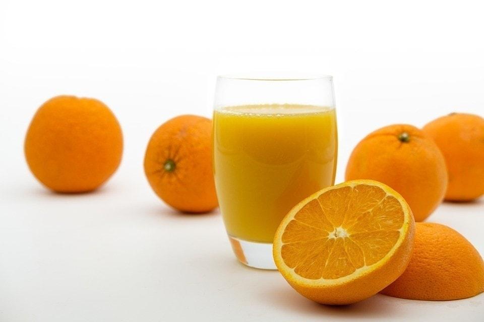 Is freshly squeezed orange juice healthy? No!