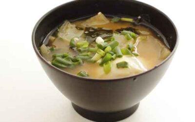 Gesunde Rezepte: Miso-Suppe mit Tofu