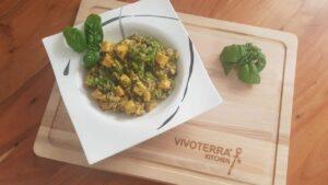 gesunde rezepte vollkornreis mit tofu und brokkoli